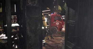 «Grandes pérdidas en una vivienda a raíz de un incendio»